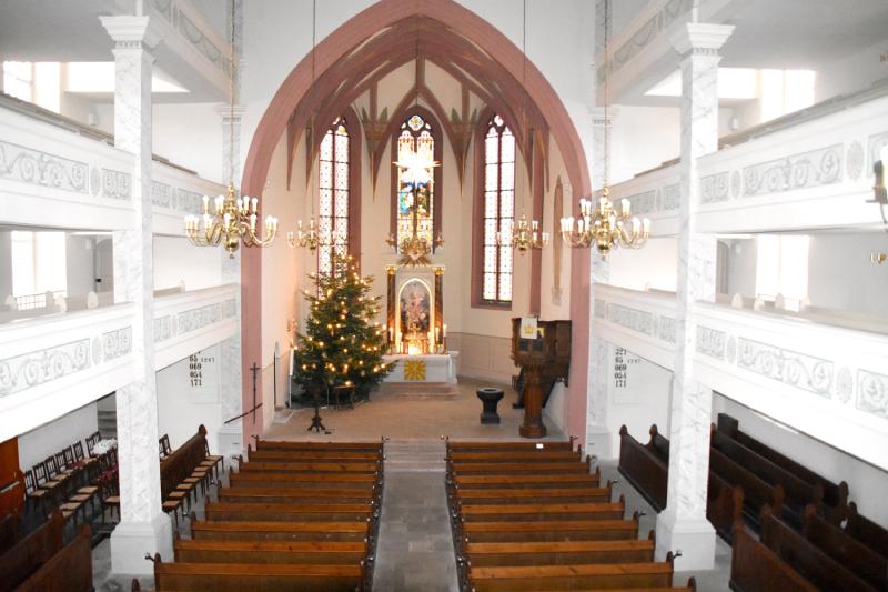 Innenraum der Kirche Roßwein